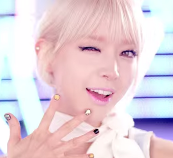 AOA   단발머리 Short Hair  M V   YouTube.png