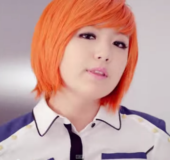 AOA   GET OUT M V   YouTube ユギョン3.png