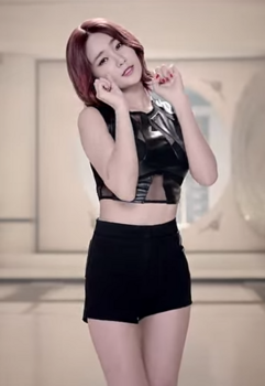 AOA Like a Cat ユナ2 YouTube.png